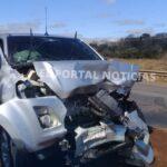 Camioneta de la Municipalidad de Coronel Oviedo provoca accidente y deja a varias personas heridas